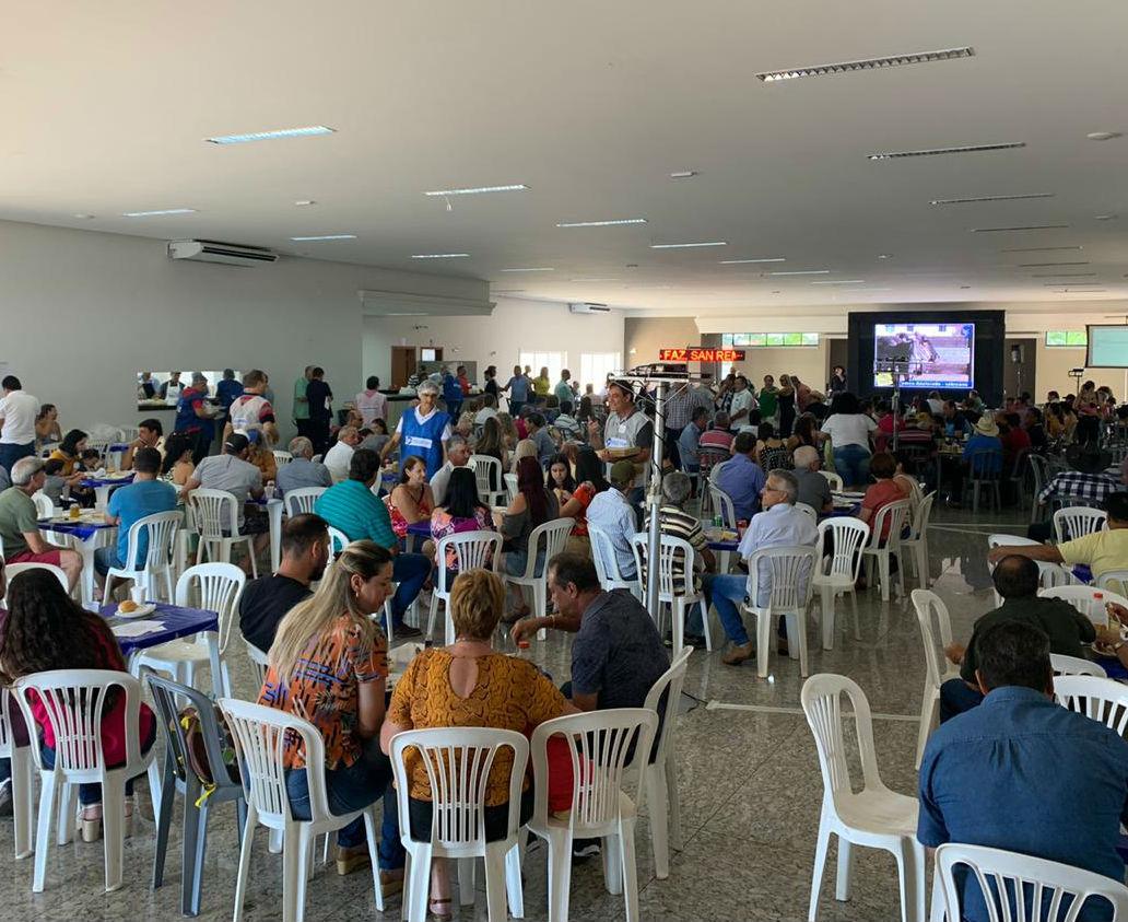 Leilão de Gado: domingo de muita solidariedade