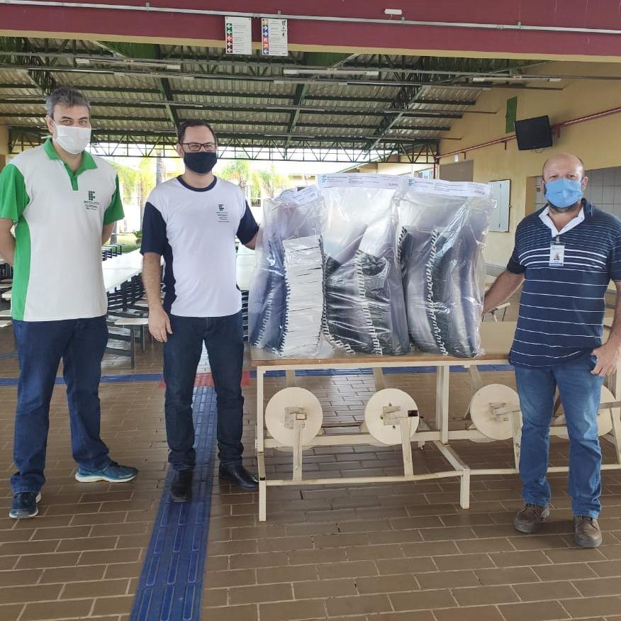 IFSP entrega 200 protetores faciais para Santa Casa