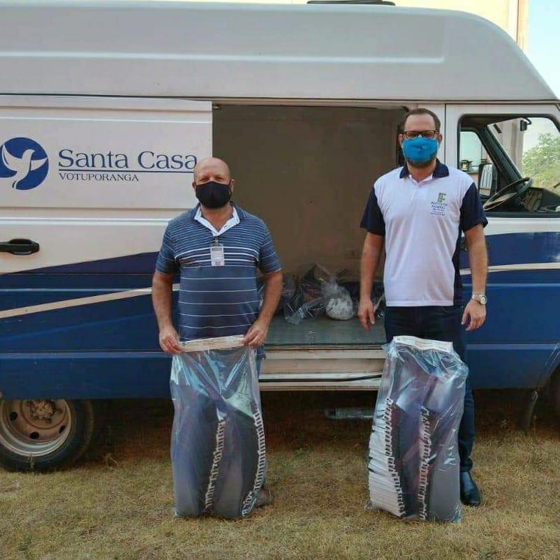 IFSP entrega mais 300 protetores faciais para Santa Casa
