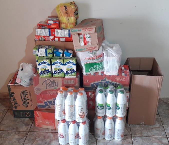 """Empresa """"Competência no apito"""" doa 200 litros de leite"""