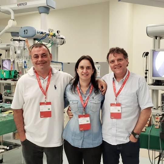 Médicos participam de curso de cirurgia laparoscópica
