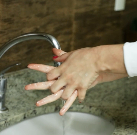 Lavagem das mãos: arma de prevenção contra a COVID-19