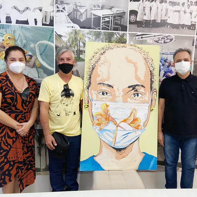 Senac entrega obra de arte para Santa Casa