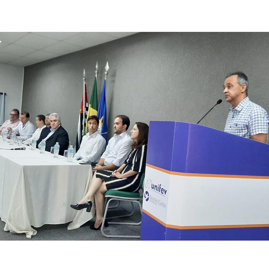 Santa Casa e Unifev realizam formatura de 15 médicos residentes